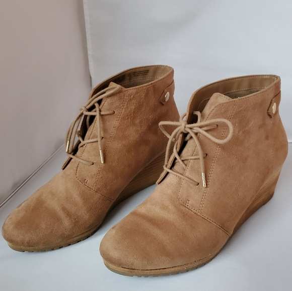 Dr Scholl's brown wedge ankle boots size 8…